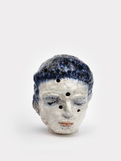 Perforated head II, 2020 h.53 cm, Keramiek
