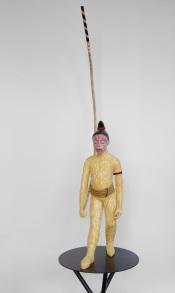 Performer VI, Kara 2020, h.113 cm, Keramiek, tak, textiel, haar.