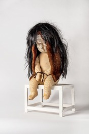 Anathema 2014, h.54 cm, Polyester, mousse, haar, lamsvacht.